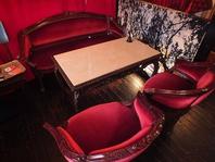 人気★ゆったり座れるテーブルソファ席