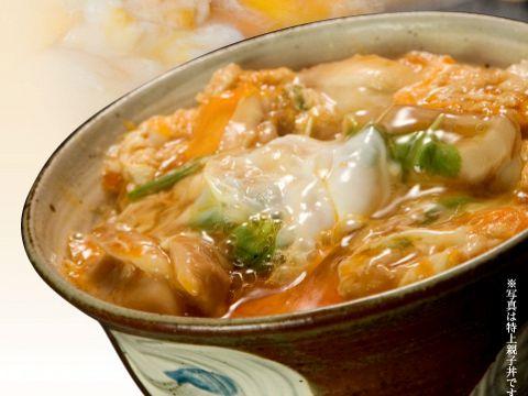 上品な名古屋コウチンを使った、焼き鶏や親子丼をご提供。