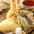 こだわりの活魚と浜焼き、鹿児島産の黒豚、新潟のへぎそば、料理長厳選の日本酒も堪能できる、贅沢で欲張りな、魚料理専門居酒屋。愛媛を中心に全国各地の鮮魚を良いものだけを厳選仕入れ。こだわりたっぷりの魚料理と美味しいお酒をお楽しみください。