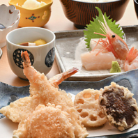 天ぷらのほか、お造りや季節の一品も