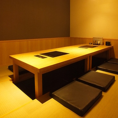 広々とした個室は2名様よりご案内可能。ゆったりお寛ぎ頂ける掘りごたつ個室