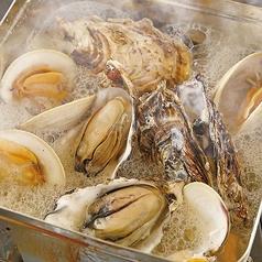 牡蠣と白ハマグリ(ホンビノス貝)のガンガン蒸し