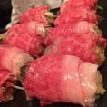 黒毛和牛のお肉の中に、ソテーされた牡蠣がくるっ優しく包まれている一品です。贅沢な和食を女子会やデートでお楽しみくだい。