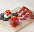 料理メニュー写真人気の《肉寿司》がリニューアルして登場!~黒毛和牛の軍艦巻き・炙りユッケの包み寿司・炙り寿司~