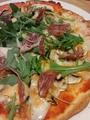 料理メニュー写真マッシュルームの特製ピッツァ