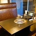 【テーブル席】6名様テーブル席は全10卓あります。人数に合わせて部屋の区切りを変更できます