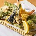 料理メニュー写真海老と旬野菜の天婦羅