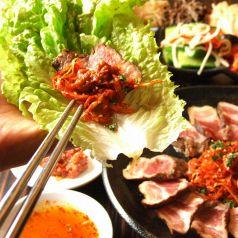 焼肉 韓国料理 KollaBo コラボ 新宿南口店の特集写真