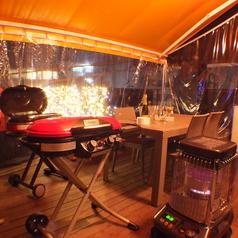 テラス席はテントで囲っており、暖房器具も完備!冬でもBBQを楽しめます。
