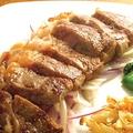 料理メニュー写真赤字ステーキ