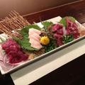 料理メニュー写真4種盛り合わせ/霜降、赤身、たてがみ、フタエゴ