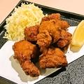 料理メニュー写真特製鶏の唐揚げ