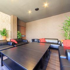 プライベート空間♪VIP席は個室の広々ソファー席になります。女子会にもおすすめです。