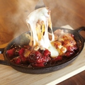 料理メニュー写真トロ~リチーズの鉄板ダッカルビ