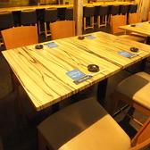 4名テーブル席はご家族でのお食事や仕事帰りにもおすすめ!地下歩行空間直結なので、雨や雪の日にも来店しやすい★