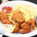 料理メニュー写真鶏の唐揚げ /フライドポテト