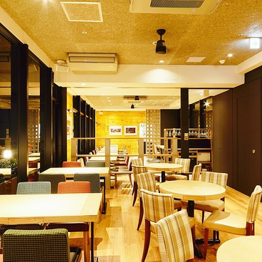 common cafe 新宿東口店の雰囲気1
