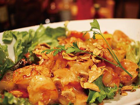 旬の新鮮食材を市場から直接買い付け!創作アジアン料理がリーズナブルに味わえます!