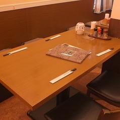 4名様テーブルはご家族での利用にもピッタリです♪