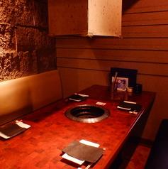 4名様までご利用いただけるテーブル席はご家族、ご友人など様々なシーンにオススメです。
