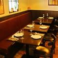 ランチタイムのママ会やファミリーでの食事に、テーブル席をご用意。テーブル席はゆったりと過ごせるので、小さなお子様も安心です。人数に合わせてテーブルをご用意致します。