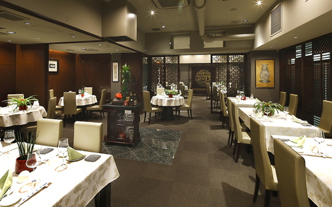 古き良き時代を彷彿とさせる香港スタイルの本格的な中国料理レストラン