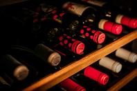 イタリアワインを中心に常時20種類以上取り揃えています