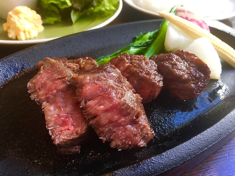 和牛ステーキのお店としてリニューアルオープンしました。
