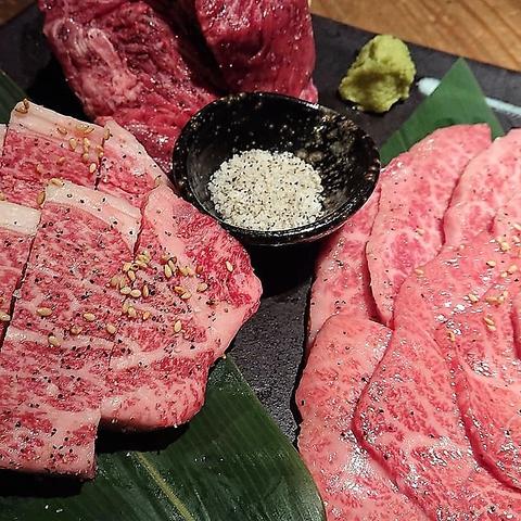 【飛騨牛】を食べるならココ!!黒を基調としたシックな店内で美味しいお肉とお酒を♪