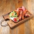 料理メニュー写真Sauteed Sausage ソーセージ盛り
