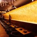 雰囲気抜群の店内。リーズナブルで美味しい料理とお酒をお楽しみください。