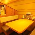 まるで隠れ家のようなテーブル席は雰囲気抜群◎会社帰りの一杯や仲間内との飲み会にも最適です♪