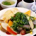 料理メニュー写真鎌倉野菜のサラダランチプレート【スープ付】