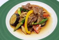 一番人気!!彩り野菜のビューティすき焼き
