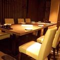 人気のテーブル個室席。靴を脱がずに半個室感覚でご利用いただけます。2名様~最大12名様OK