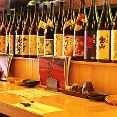 日本酒や焼酎、お酒の並ぶ様は圧巻です。