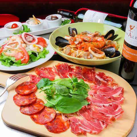 そこはまるでスペインの街角!パエリア、生ハム、ワインなどスペインバルへようこそ!