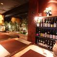 虎竹自慢の全国各地の日本酒が並ぶエントランス。日本酒好きにはたまりません!