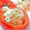 料理メニュー写真丸ごとトマトのエビ・チーズのせ