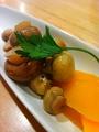 料理メニュー写真マッシュルームと季節野菜の自家製ピクルス