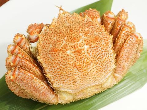 横浜味市場で鮮魚&酒を満喫☆カニ祭り開催中♪1日5食限定♪毛ガニを丸ごと堪能できる