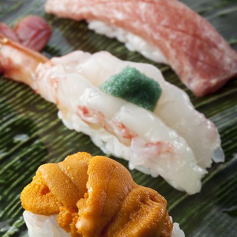 特別空輸でその日のうちに新鮮な小樽の極上海鮮を頂く。朝獲れ北海道海鮮をどうぞ。