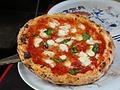 料理メニュー写真マルゲリータ/マリナーラ/オー・ソレ・ミオ(ロースハムと半熟卵のピッツァ)