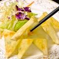 料理メニュー写真チーズとエビ餃子