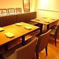 8名様でご利用いただける半個室完備♪片面はベンチシートになっていて、最大10名様までご利用頂けます。ご家族や会社のお仲間でワイワイとお楽しみ頂けます。ランチ、ディナー共に人気のお席です(⌒▽⌒)