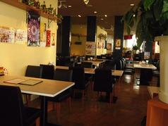 フォーシーズンミラン 六本松店の雰囲気1