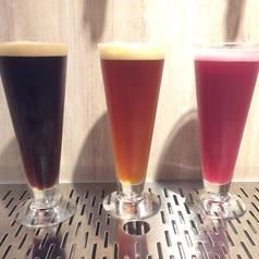 【日本全国のクラフトビールを厳選してご提供】左:ファラオ 中央 アングリーボーイ 右 ロゼビール