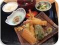 天ぷら定食佐賀県産の野菜とぷりっぷりの海老をさっと揚げました!800円(税込み)