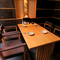 ■店内の一番奥にある『最大4名様』まで対応のテーブル席です!
