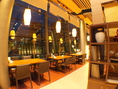 夜は雰囲気抜群!キラキラ煌めく街を眺めながらお食事を!